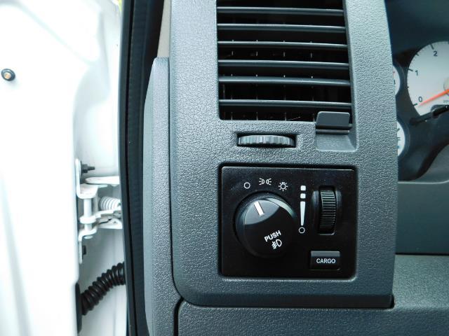 2007 Dodge Ram 2500 LARAMIE / 4X4 / HO 5.9 L CUMMINS DIESEL / LIFTED ! - Photo 38 - Portland, OR 97217