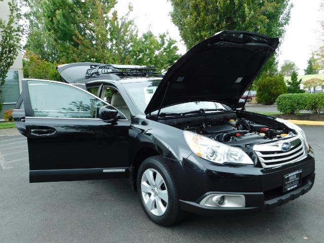 2012 Subaru Outback 2.5i Premium / AWD / HEATED SEATS / 1-Owner - Photo 28 - Portland, OR 97217
