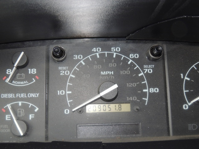 1995 Ford F-350 / 7.3 L DIESEL / 5-Speed Manual / 2wd / LongBed - Photo 26 - Portland, OR 97217