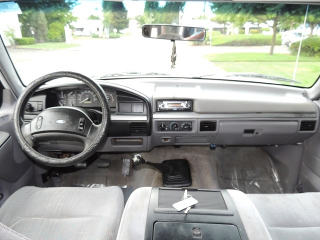 1995 Ford F-350 / 7.3 L DIESEL / 5-Speed Manual / 2wd / LongBed - Photo 24 - Portland, OR 97217