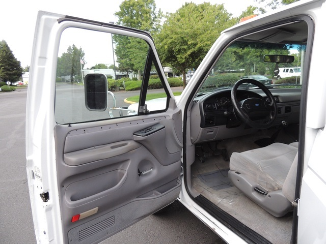 1995 Ford F-350 / 7.3 L DIESEL / 5-Speed Manual / 2wd / LongBed - Photo 18 - Portland, OR 97217