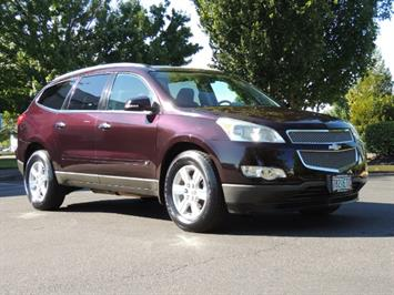 2010 Chevrolet Traverse LT ALL Wheel Drive / 8-seater / ONLY 67,000 MILES SUV