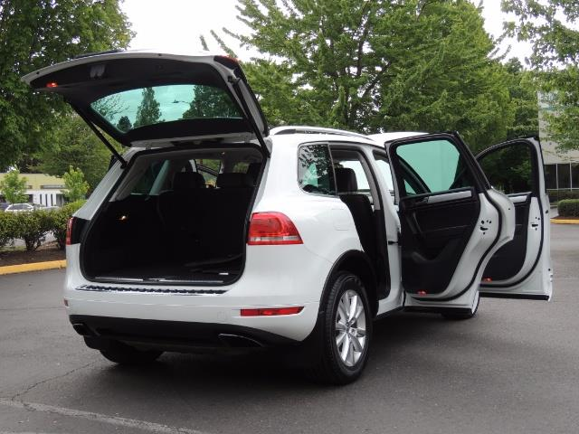 2013 Volkswagen Touareg VR6 Lux / AWD / Sport Utility / Excel Cond - Photo 29 - Portland, OR 97217