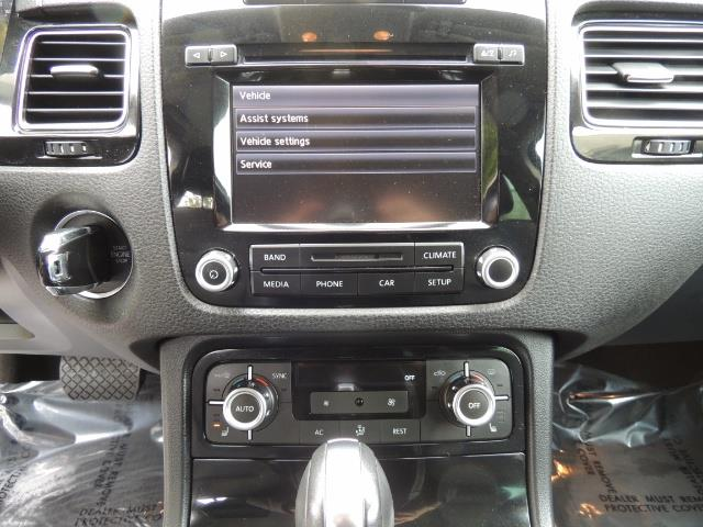 2013 Volkswagen Touareg VR6 Lux / AWD / Sport Utility / Excel Cond - Photo 21 - Portland, OR 97217