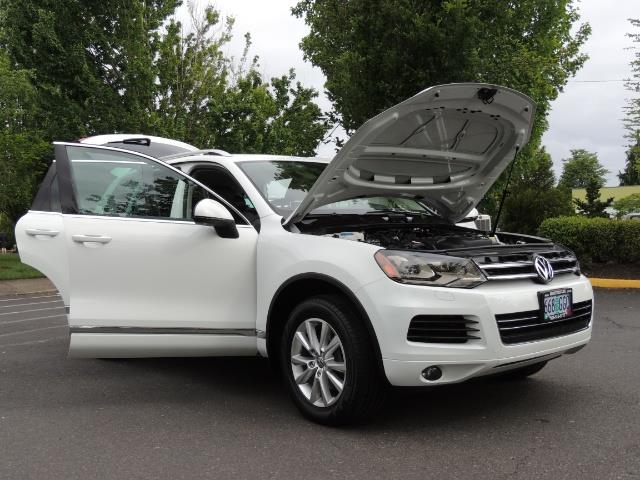 2013 Volkswagen Touareg VR6 Lux / AWD / Sport Utility / Excel Cond - Photo 31 - Portland, OR 97217