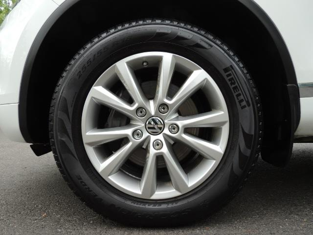 2013 Volkswagen Touareg VR6 Lux / AWD / Sport Utility / Excel Cond - Photo 41 - Portland, OR 97217