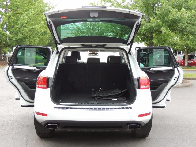 2013 Volkswagen Touareg VR6 Lux / AWD / Sport Utility / Excel Cond - Photo 28 - Portland, OR 97217