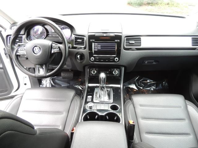2013 Volkswagen Touareg VR6 Lux / AWD / Sport Utility / Excel Cond - Photo 18 - Portland, OR 97217