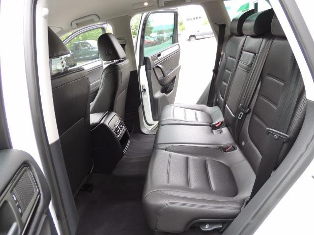 2013 Volkswagen Touareg VR6 Lux / AWD / Sport Utility / Excel Cond - Photo 15 - Portland, OR 97217