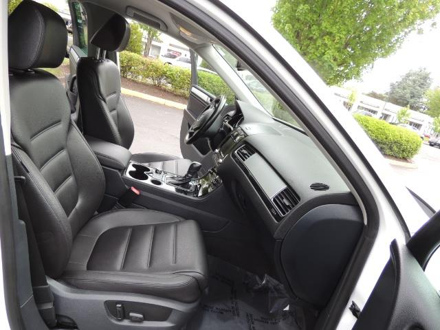 2013 Volkswagen Touareg VR6 Lux / AWD / Sport Utility / Excel Cond - Photo 17 - Portland, OR 97217
