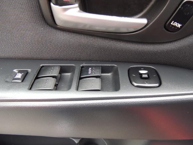 2005 Mazda Mazda3 SP23 Special Edition / Wagon/ 5-SPEED / Sunroof - Photo 34 - Portland, OR 97217