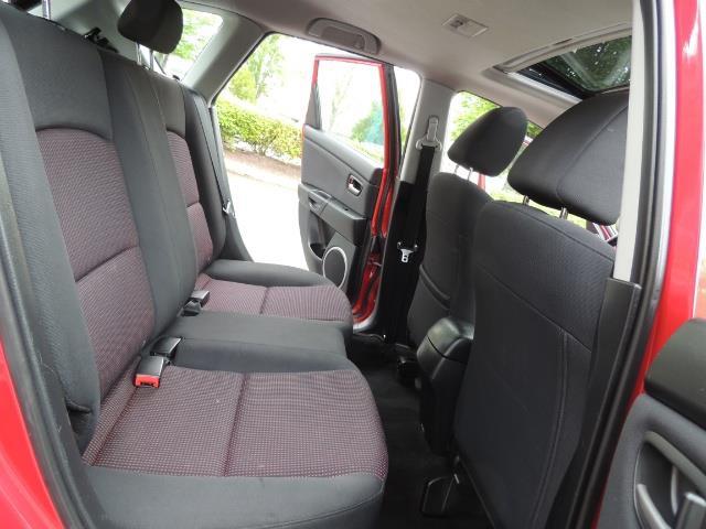 2005 Mazda Mazda3 SP23 Special Edition / Wagon/ 5-SPEED / Sunroof - Photo 16 - Portland, OR 97217