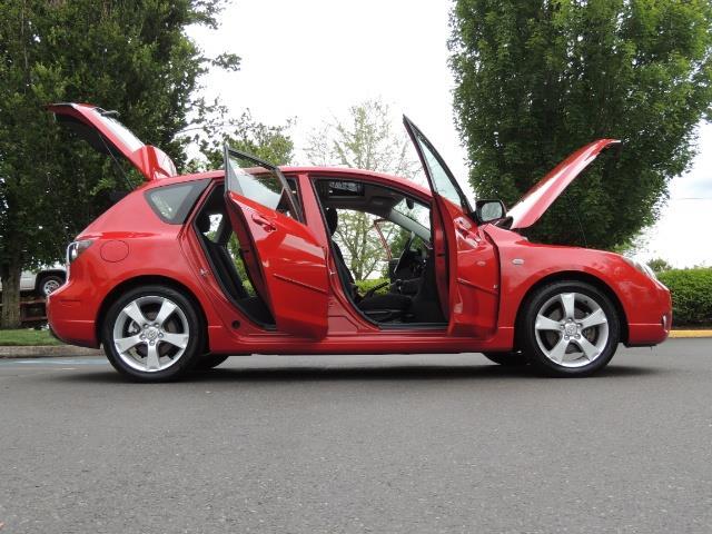 2005 Mazda Mazda3 SP23 Special Edition / Wagon/ 5-SPEED / Sunroof - Photo 30 - Portland, OR 97217