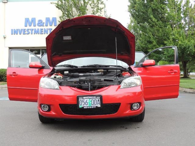2005 Mazda Mazda3 SP23 Special Edition / Wagon/ 5-SPEED / Sunroof - Photo 32 - Portland, OR 97217