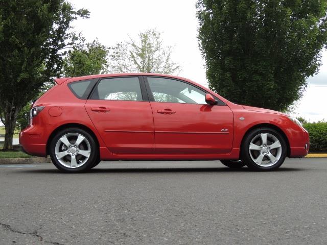 2005 Mazda Mazda3 SP23 Special Edition / Wagon/ 5-SPEED / Sunroof - Photo 4 - Portland, OR 97217