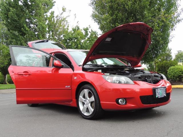 2005 Mazda Mazda3 SP23 Special Edition / Wagon/ 5-SPEED / Sunroof - Photo 31 - Portland, OR 97217
