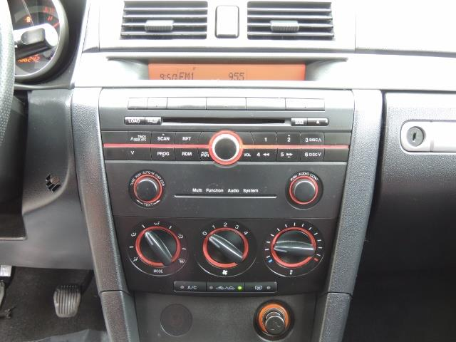 2005 Mazda Mazda3 SP23 Special Edition / Wagon/ 5-SPEED / Sunroof - Photo 36 - Portland, OR 97217