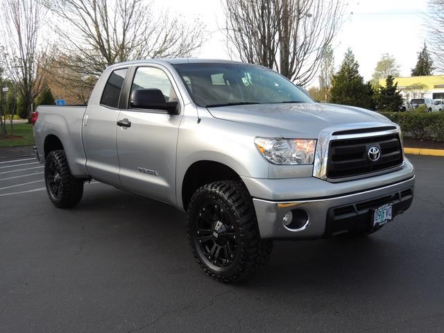 2013 toyota tundra double cab 4x4 4 6l 8cyl lifted lifted. Black Bedroom Furniture Sets. Home Design Ideas