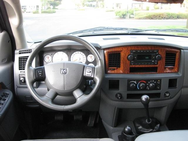 2006 dodge ram 2500 slt 5 9l diesel 4wd 6 speed manual lifted. Black Bedroom Furniture Sets. Home Design Ideas