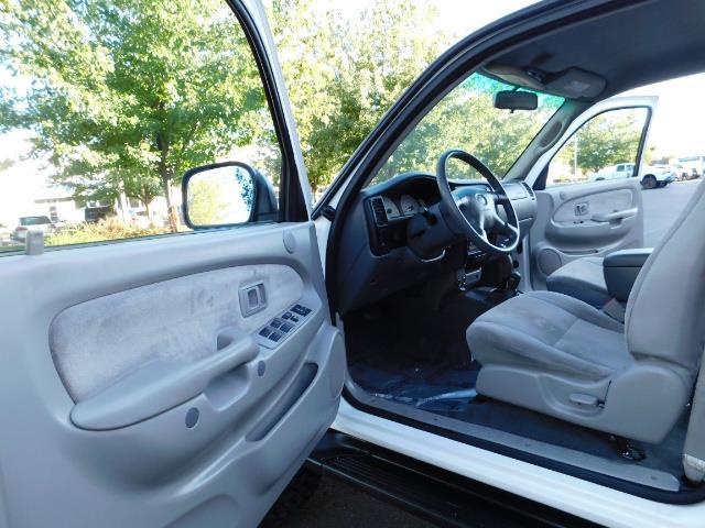 2001 Toyota Tacoma V6 4dr / 4X4 / REAR DIFF LOCKS / 3.4L / LIFTED - Photo 13 - Portland, OR 97217