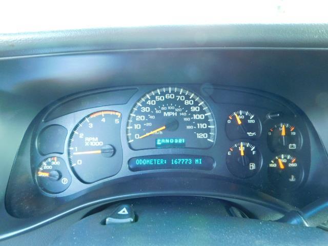 2005 GMC Sierra 2500 SLT 4dr Crew Cab / 4X4 / 6.6L DURAMX DIESEL / LIFT - Photo 38 - Portland, OR 97217