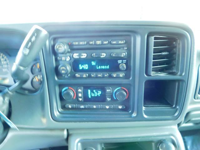 2005 GMC Sierra 2500 SLT 4dr Crew Cab / 4X4 / 6.6L DURAMX DIESEL / LIFT - Photo 21 - Portland, OR 97217