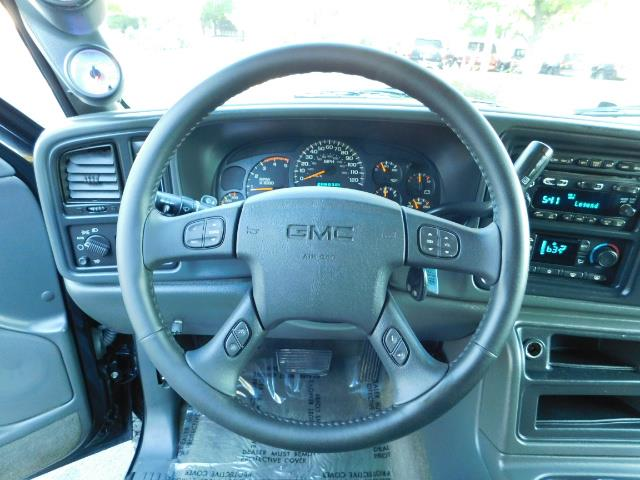 2005 GMC Sierra 2500 SLT 4dr Crew Cab / 4X4 / 6.6L DURAMX DIESEL / LIFT - Photo 35 - Portland, OR 97217