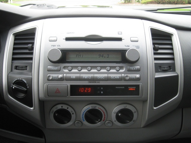 2008 Toyota Tacoma V6/ Double Cab/4WD/ Long Bed / TRD Sport - Photo 32 - Portland, OR 97217