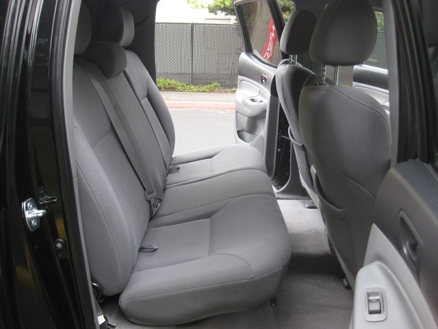 2008 Toyota Tacoma V6/ Double Cab/4WD/ Long Bed / TRD Sport - Photo 24 - Portland, OR 97217