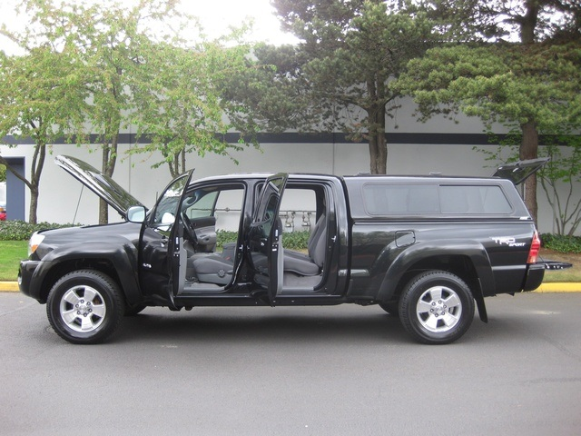 2008 Toyota Tacoma V6/ Double Cab/4WD/ Long Bed / TRD Sport - Photo 9 - Portland, OR 97217