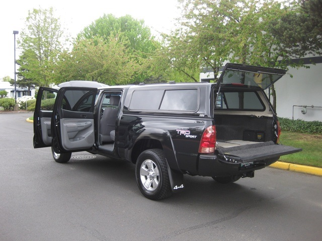 2008 Toyota Tacoma V6/ Double Cab/4WD/ Long Bed / TRD Sport - Photo 10 - Portland, OR 97217