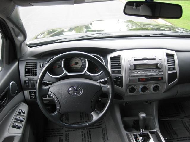 2008 Toyota Tacoma V6/ Double Cab/4WD/ Long Bed / TRD Sport - Photo 28 - Portland, OR 97217