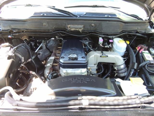 2004 Dodge Ram 2500 SLT 4dr / 4X4 /5.9L DIESEL / 6-SPEED / 1-OWNER - Photo 33 - Portland, OR 97217