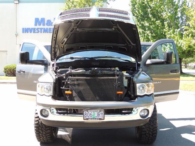 2004 Dodge Ram 2500 SLT 4dr / 4X4 /5.9L DIESEL / 6-SPEED / 1-OWNER - Photo 32 - Portland, OR 97217