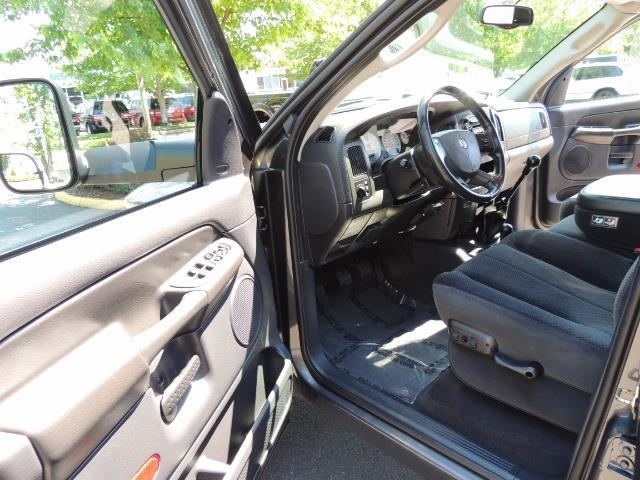 2004 Dodge Ram 2500 SLT 4dr / 4X4 /5.9L DIESEL / 6-SPEED / 1-OWNER - Photo 13 - Portland, OR 97217