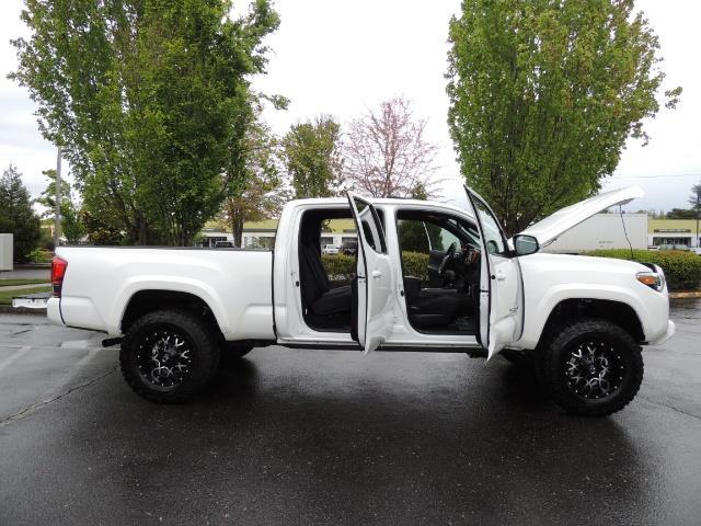 2016 Toyota Tacoma TRD Sport / 4X4 / Navi / Sunroof / LOADED / LIFTED - Photo 41 - Portland, OR 97217