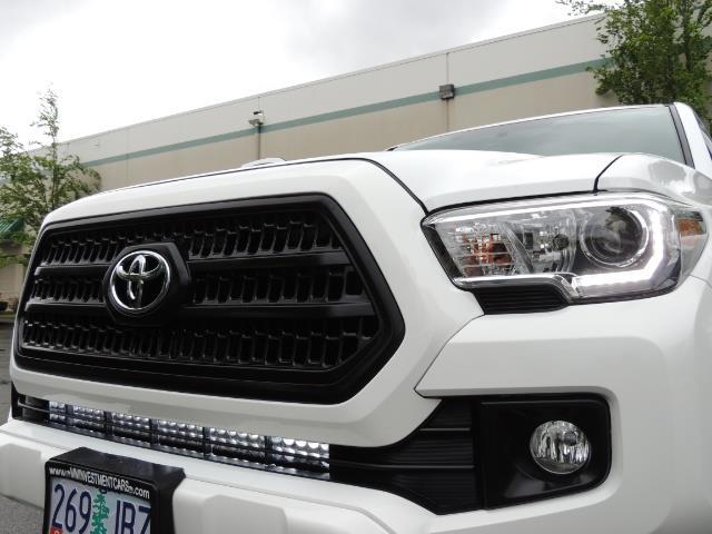 2016 Toyota Tacoma TRD Sport / 4X4 / Navi / Sunroof / LOADED / LIFTED - Photo 45 - Portland, OR 97217