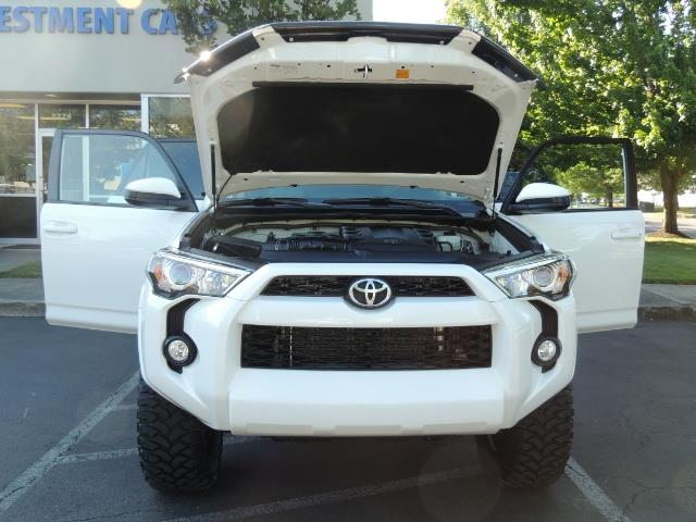 2016 Toyota 4Runner 4X4 / 3RD SEAT / REAR CAM / WARRANTY / LIFTED !! - Photo 30 - Portland, OR 97217