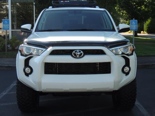 2016 Toyota 4Runner 4X4 / 3RD SEAT / REAR CAM / WARRANTY / LIFTED !! - Photo 5 - Portland, OR 97217