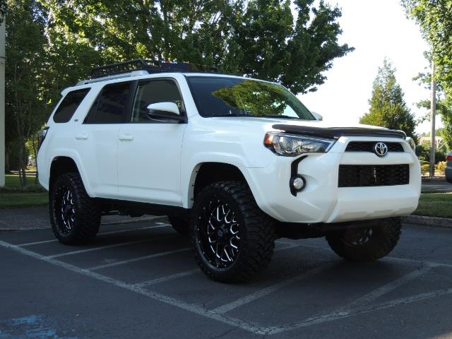 2016 Toyota 4Runner 4X4 / 3RD SEAT / REAR CAM / WARRANTY / LIFTED !! - Photo 2 - Portland, OR 97217