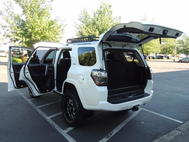 2016 Toyota 4Runner 4X4 / 3RD SEAT / REAR CAM / WARRANTY / LIFTED !! - Photo 26 - Portland, OR 97217