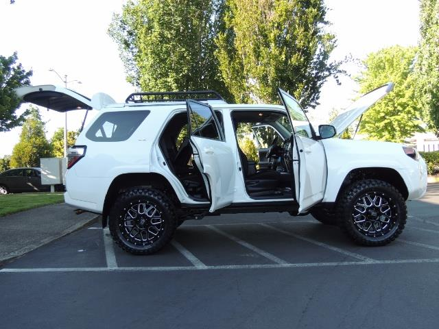 2016 Toyota 4Runner 4X4 / 3RD SEAT / REAR CAM / WARRANTY / LIFTED !! - Photo 23 - Portland, OR 97217