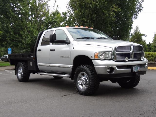 2004 Dodge Ram 3500 Laramie FLAT BED 4X4 / 5.9L Cummins DIESEL 6-SPEED - Photo 2 - Portland, OR 97217