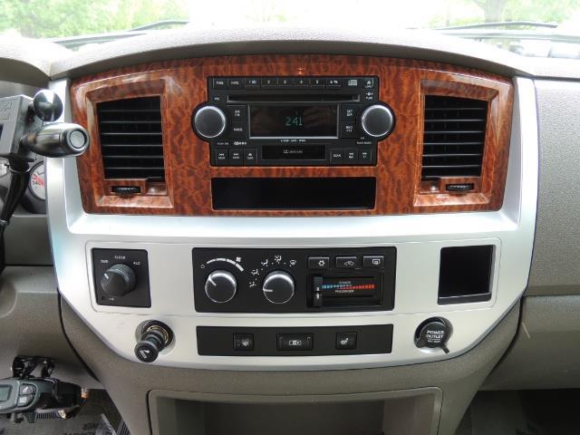 2006 Dodge Ram 3500 Laramie MegaCab / 4X4 /5.9L DIESEL/ EXHAUST BRAKE - Photo 19 - Portland, OR 97217