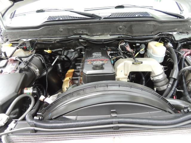 2006 Dodge Ram 3500 Laramie MegaCab / 4X4 /5.9L DIESEL/ EXHAUST BRAKE - Photo 32 - Portland, OR 97217