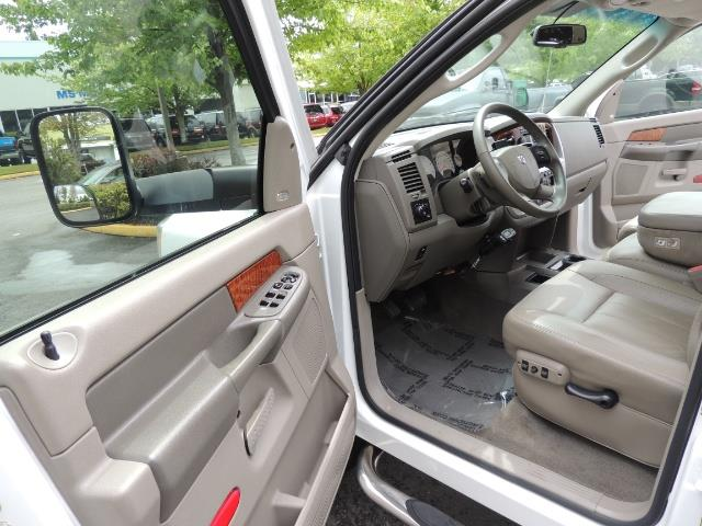 2006 Dodge Ram 3500 Laramie MegaCab / 4X4 /5.9L DIESEL/ EXHAUST BRAKE - Photo 13 - Portland, OR 97217