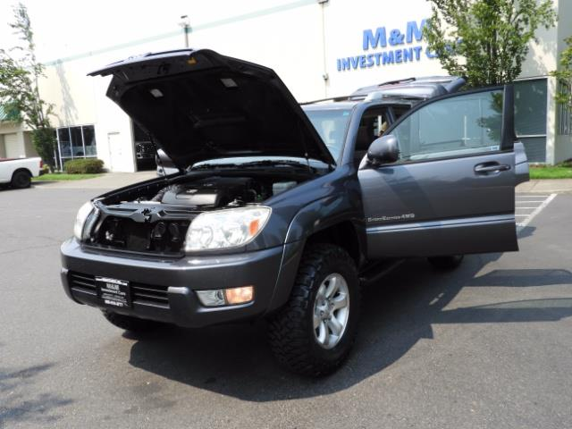 2005 Toyota 4Runner SPORT Edition / 4WD / DIFF LOCK / LIFTED !!! - Photo 31 - Portland, OR 97217