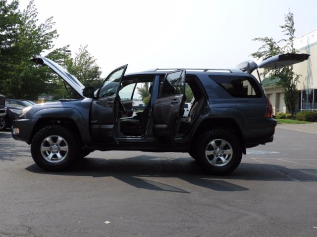 2005 Toyota 4Runner SPORT Edition / 4WD / DIFF LOCK / LIFTED !!! - Photo 21 - Portland, OR 97217
