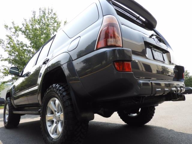 2005 Toyota 4Runner SPORT Edition / 4WD / DIFF LOCK / LIFTED !!! - Photo 11 - Portland, OR 97217
