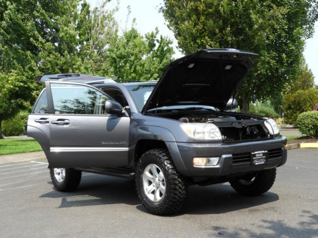 2005 Toyota 4Runner SPORT Edition / 4WD / DIFF LOCK / LIFTED !!! - Photo 29 - Portland, OR 97217